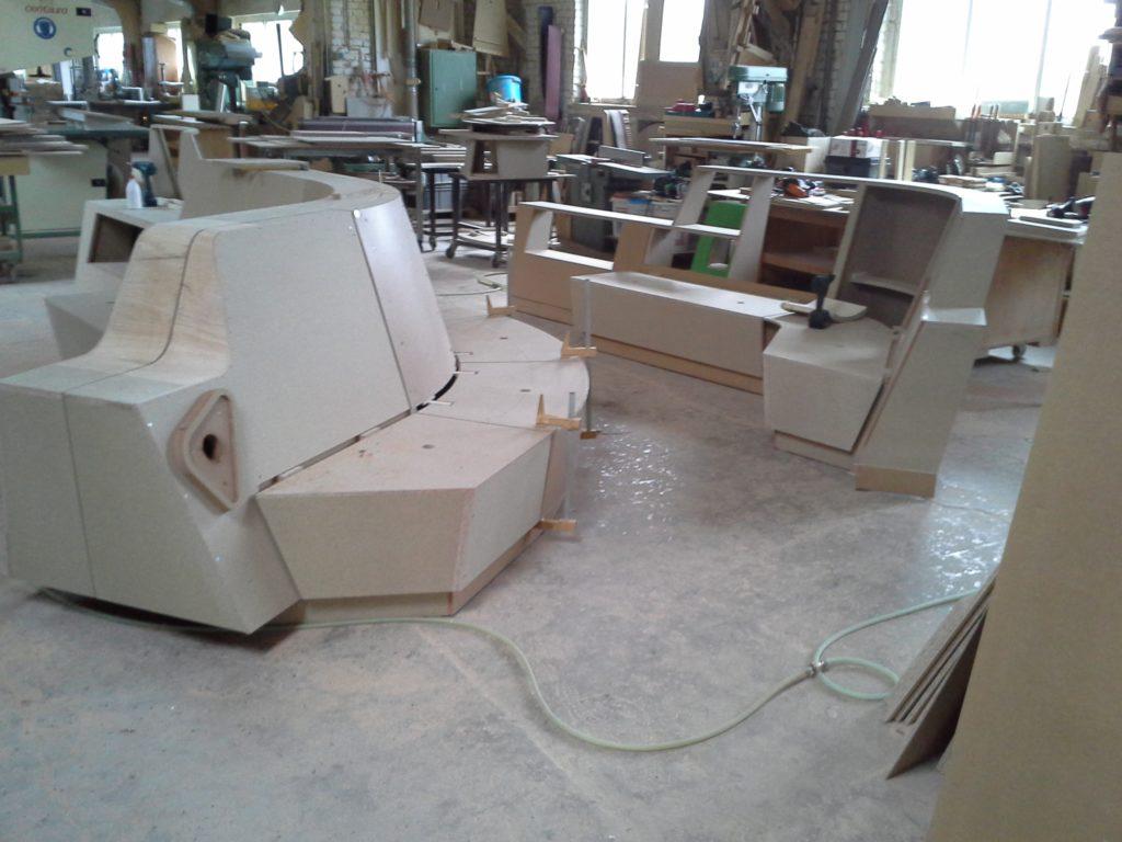 Sitzbank für das Minto in der Fertigung